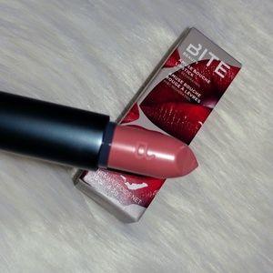 BNIB BITE Beauty Amuse Bouche Lipstick Meringue